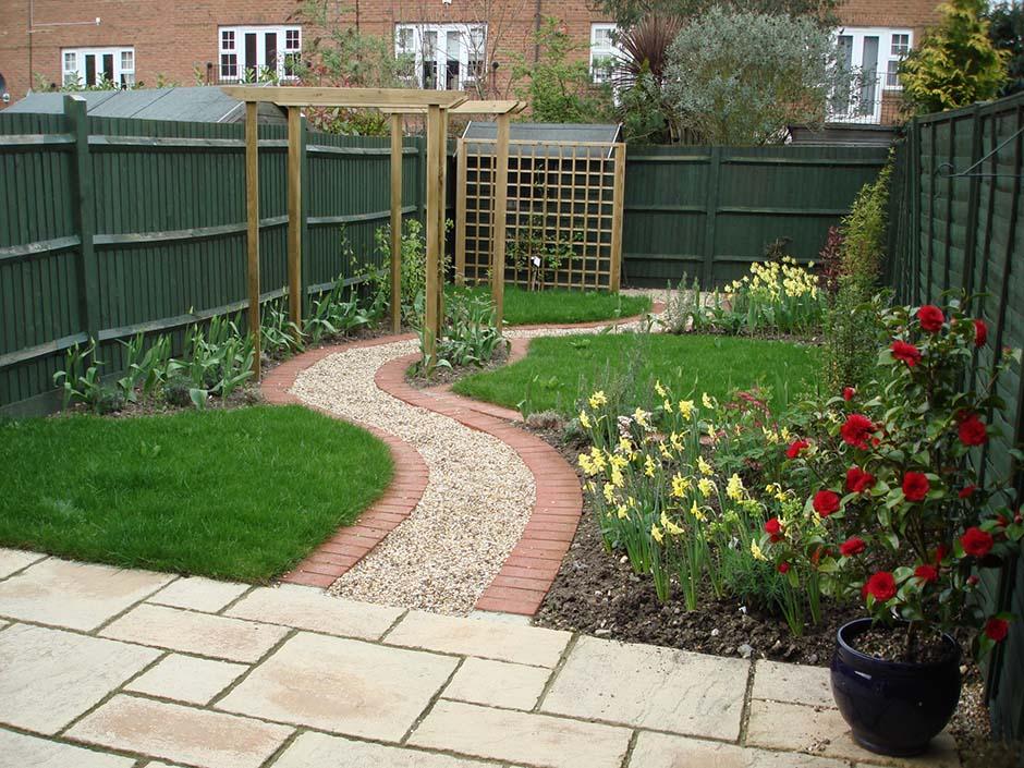 Modern twist on a cottage garden jmorrisgardenservices for Garden designs for medium gardens